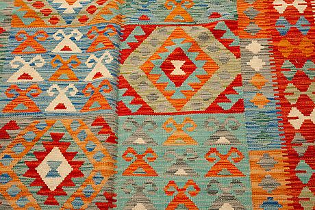 A rug, kilim 250 x 168 cm.
