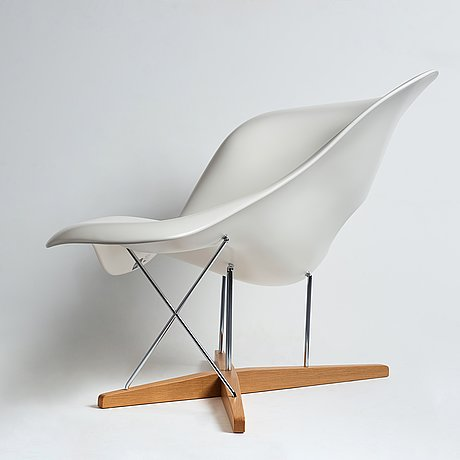 """Charles and ray eames, """"la chaise"""",  vitra 2012."""