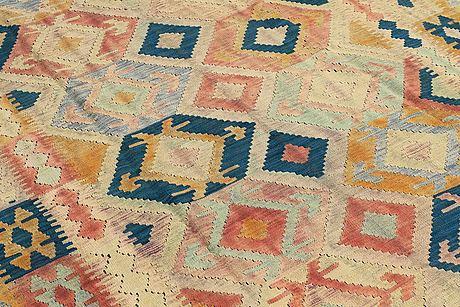 A carpet, kilim, ca 294 x 202 cm.