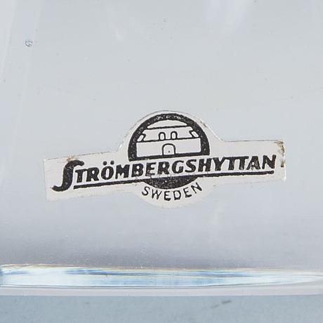 A 1960's 'diamant' glass vase by asta strömberg, strömbergshyttan