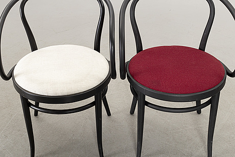 A set of 6 thonet chairs