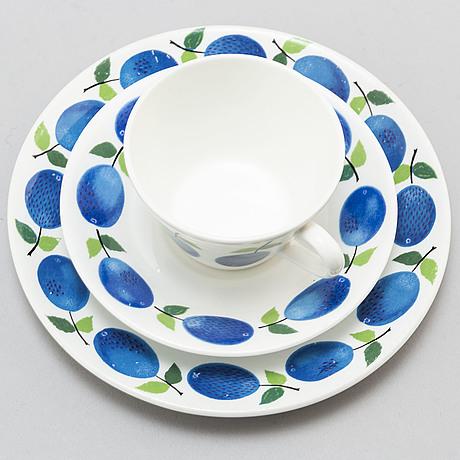 Stig lindberg, a fifteen pice porcelain coffee service, gustavsberg, sweden, 1962 74