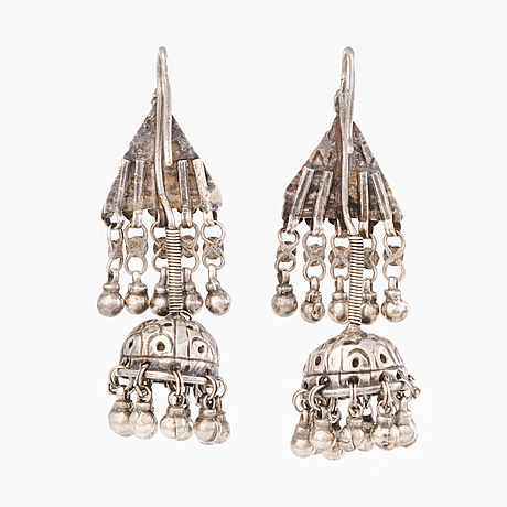 A head ornament and two pair of earrings, silver, india before 1960's.