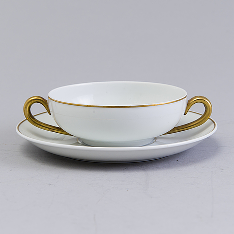 Eight arabia porcelain cups for broth 20:th century with details in gold