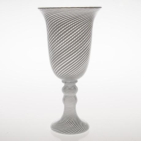 Heikki orvola glass goblet, signed h. orvola nuutajärvi