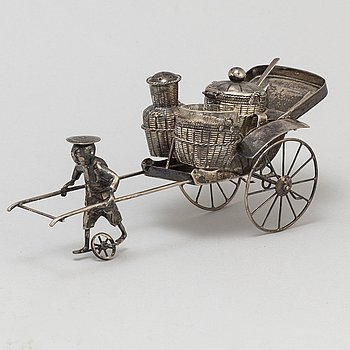 A sterling silver figurine/table decoration, Hong Kong, 20th century.