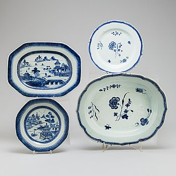 Two blue and white serving dishes, and two blue and white plates, Qing dynasty, 18th Century.