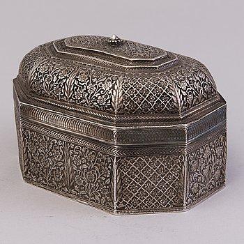 A Persian silver box, 20th Century.