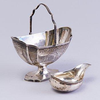 "SOCKERSKÅL OCH ""PAP BOAT"", silver, England, London 1800-talets början."