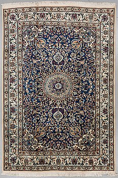 A CARPET, Nain, ca 287 x 195 cm.