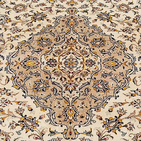 A carpet, kashan, ca 388 x 292 cm