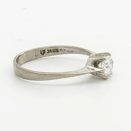 Diamond ring 18k whitegold w 1 brilliant cut diamond approx 0,5 ct approx h i i1