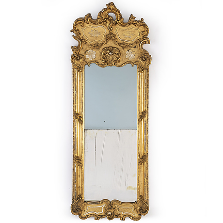 A late 19th century mirror and console table
