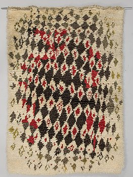 KIRSTI ILVESSALO, A Finnish long pile ryijy rug for the Friends of Finnish Handicraft. Circa 158x110 cm.
