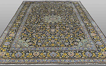 A CARPET, Kashan, ca 395 x 260 cm.