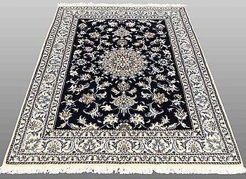MATTA, Nain part silk, ca 208 x 147 cm.