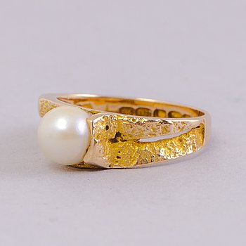 BJÖRN WECKSTRÖM, Ring 'Spring in Lapland', cultured pearl, gold. Lapponia 1965.