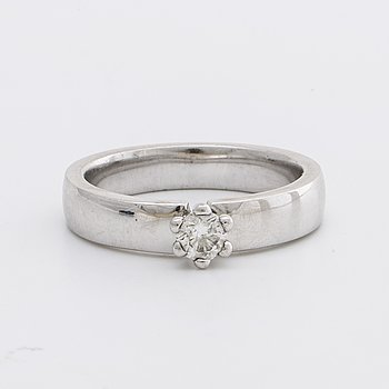 RING 18K whitegold 1 brilliant-cut diamond approx 0,25 ct.