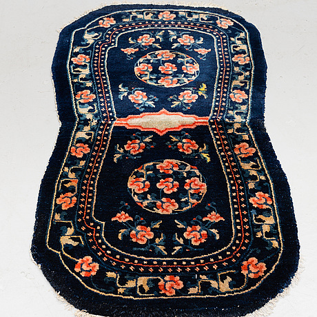 An antique/semi-antique chinese horse cover, 120 x 60 cm.