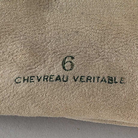 HermÈs, a pair of lambskin gloves, size 6.