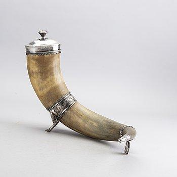 DRYCKESHORN, horn och silver, 1835 och 1879.