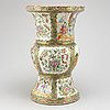A chinese canton vase, qing dynasty, 19th century.