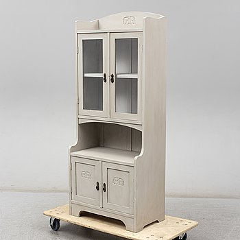 An early 20th Century display cabinet.
