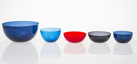 Kaj franck, a serving glass bowl with eight dessert bowls, nuutajärvi finland mid 20th century