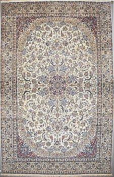 A CARPET, Nain part silk, ca 686 x 415 cm.