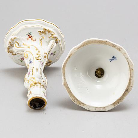 A pair of porcelain handle holders, meissen, 19th century.
