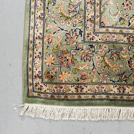 A carpet, old oriental, ca 277 x 185 cm.
