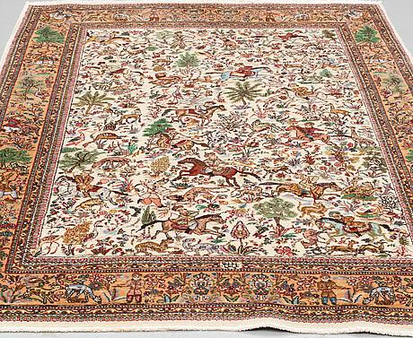 A rug, old oriental, ca 239,5 x 170 cm.