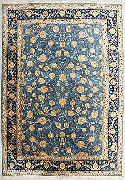 An oriental carpet, Täbriz, Old. Circa 270x387 cm.