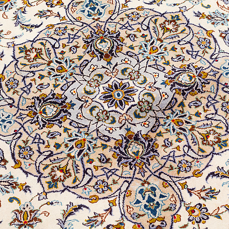 A carpet, kashan, ca 399 x 304 cm.