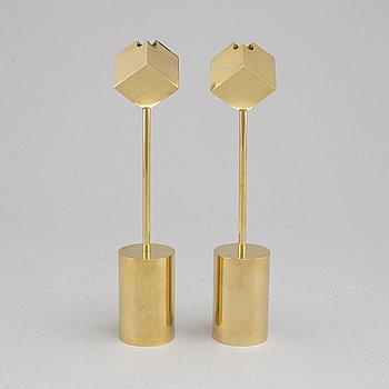 PIERRE FORSSELL, a pair of brass candlesticks, Skultuna.