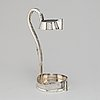 A silver bottle holder, gab, 1917. 684 g