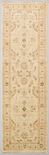 Gallerimatta, ziegler. ca 248 x 76 cm.