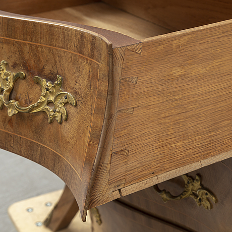 A swedish 20th century rococo style chest of drawers