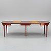 Matbord, 1900-talets slut. tre iläggsskivor medföljer.