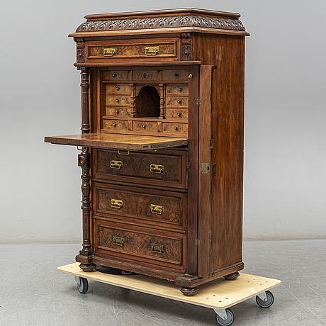A late 19th century chiffonier