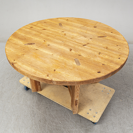 Roland wilhelmsson, a pine dining table from karl andersson& söner, huskvarna