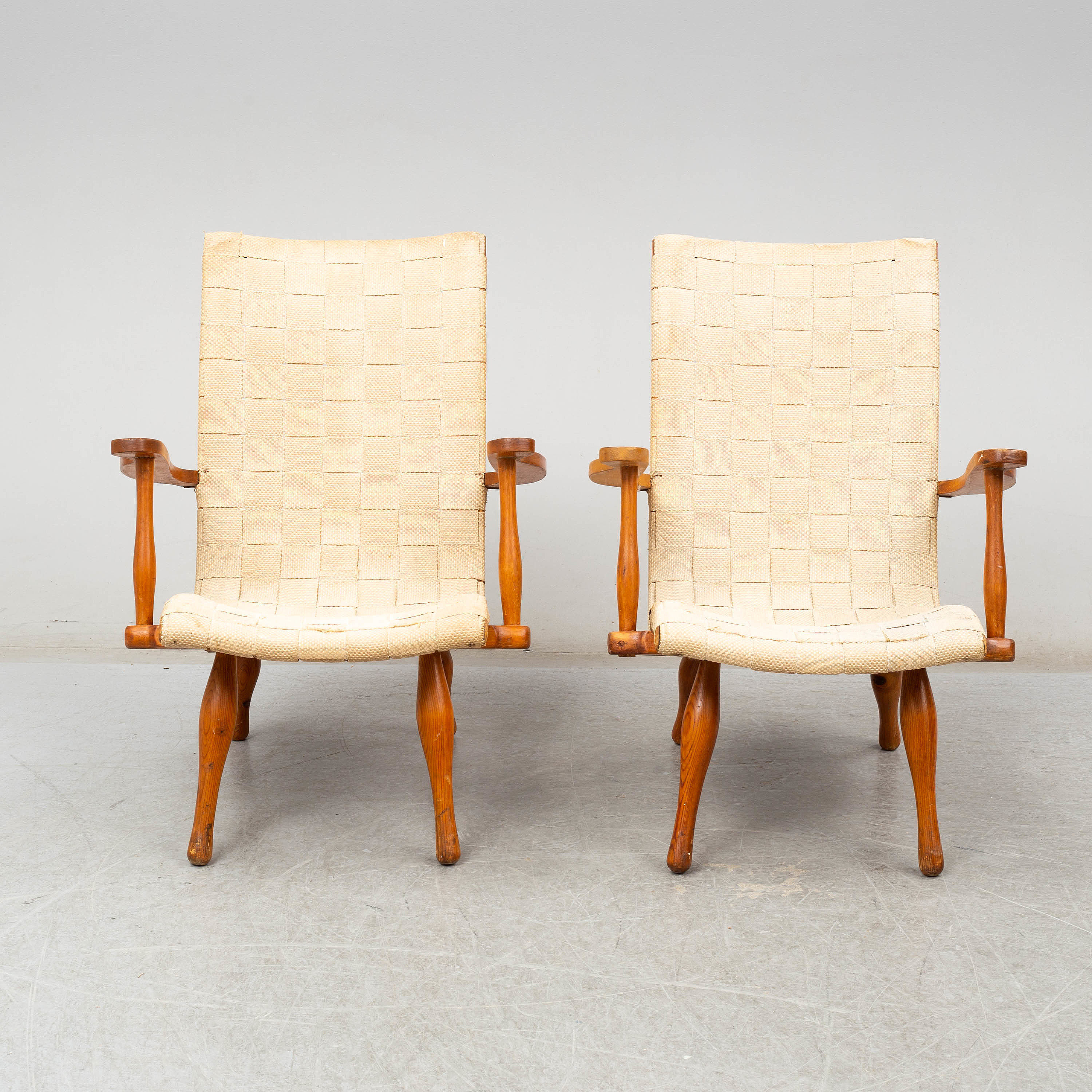 A pair of Swedish Modern pine easy chairs, 1940\'s. - Bukowskis