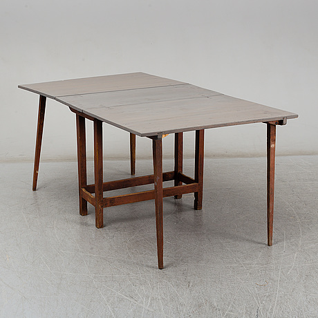 Gate leg table, second half of the 19th century.