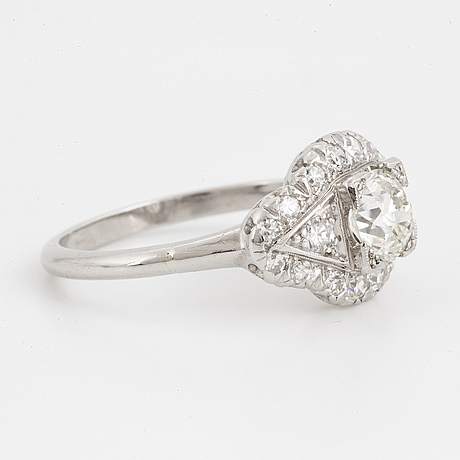 0,74 ct brilliant-cut diamond ring, with report hrd.