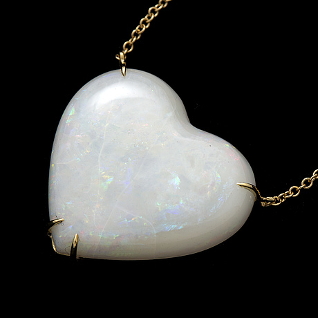 Keart shaped opal necklace