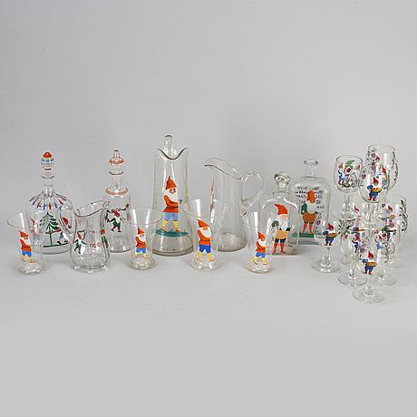 A part christmas 'santa' glass service, 20th century (23 pieces)