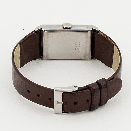 Universal, armbandsur, 22 x 34 mm.