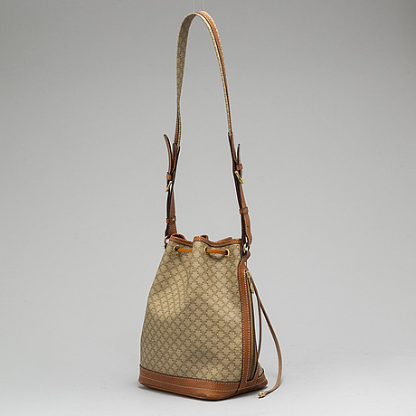 CÉline, a bucket bag