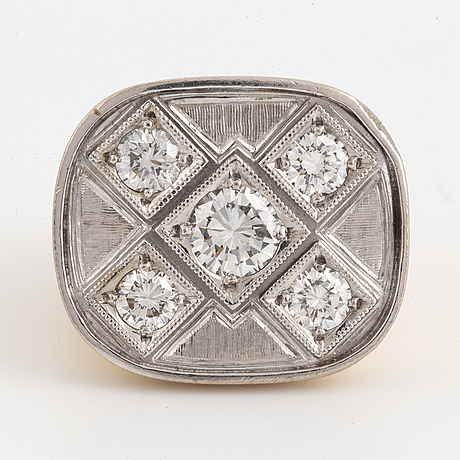 18k gold and brilliant cut diamond ring