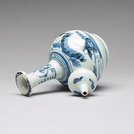 A japanese kendi, 18th century.